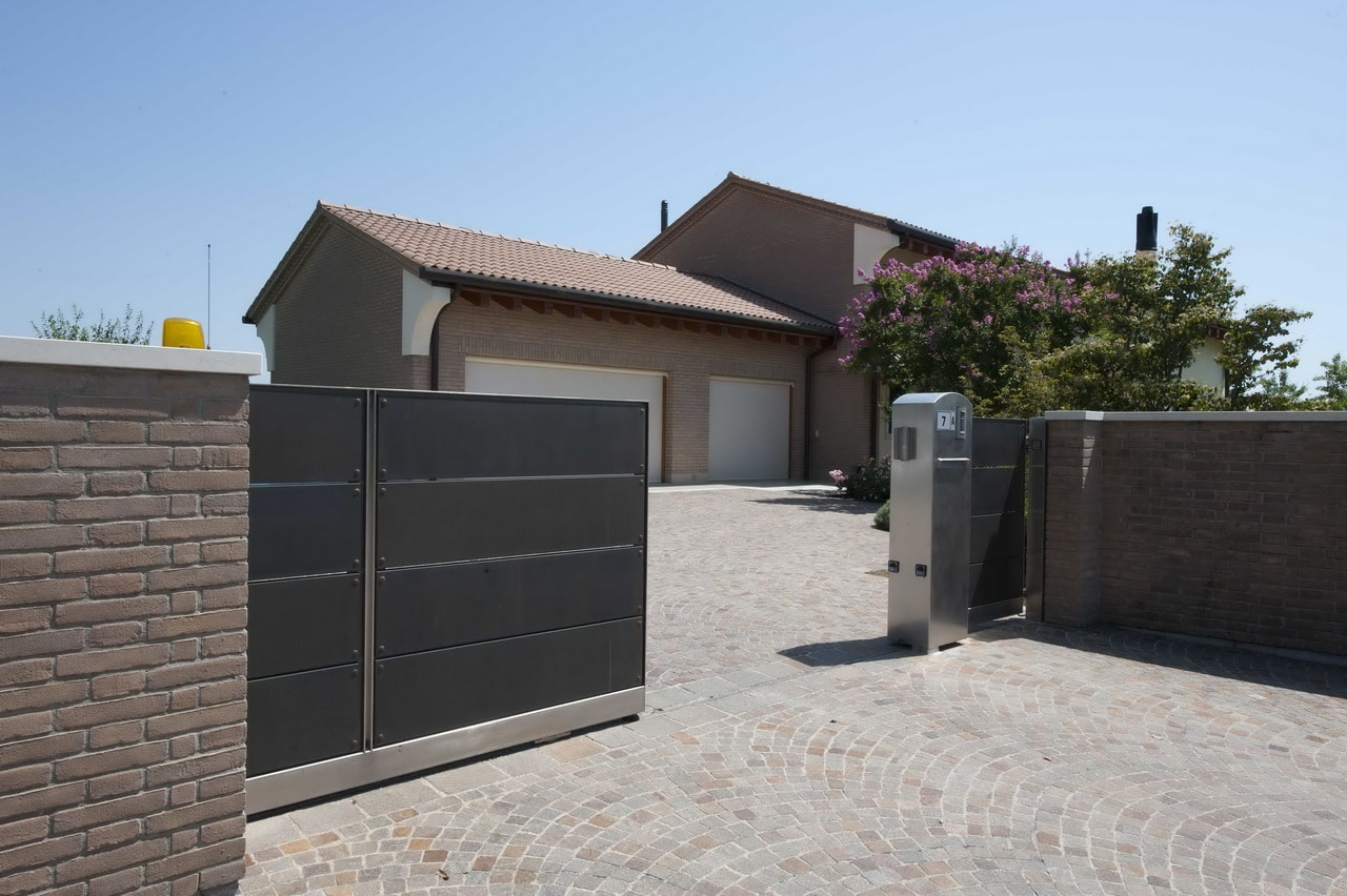 25 Front Gate Designs Wel e Guest Perfect Gate Design likewise Watch besides Wooden Door Design likewise Aluminium Gate Designs together with 30 Modern Entrances Designed To Impress. on modern main gate design
